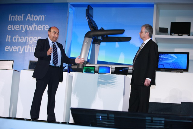Acer CEO Gianfranco Lanci with Dadi Perlmutter head of Intel Architecture Group at Computex 2010
